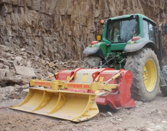 img-files-11-stone-crushers-midipierre-dt-2-700