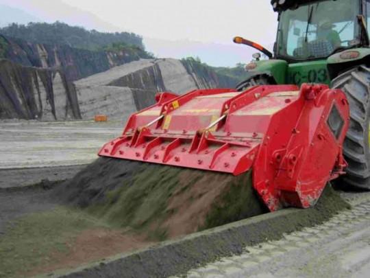 img-files-11-stone-crushers-maxisoil-1-700